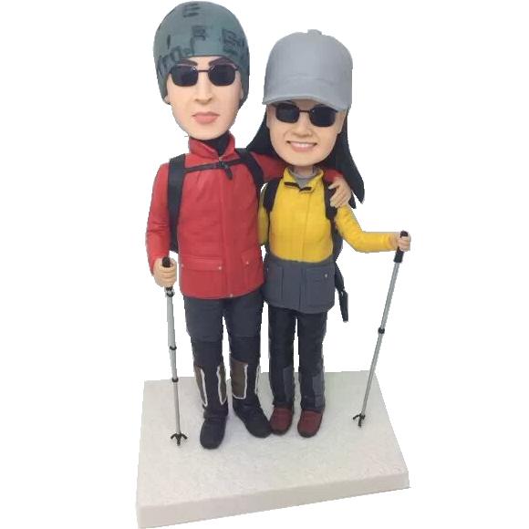 Skiing Couple Bobbleheads