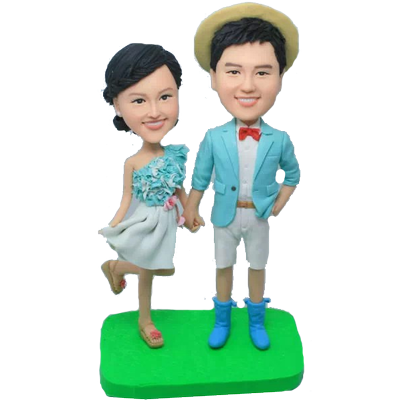 Young Couple Bobbleheads